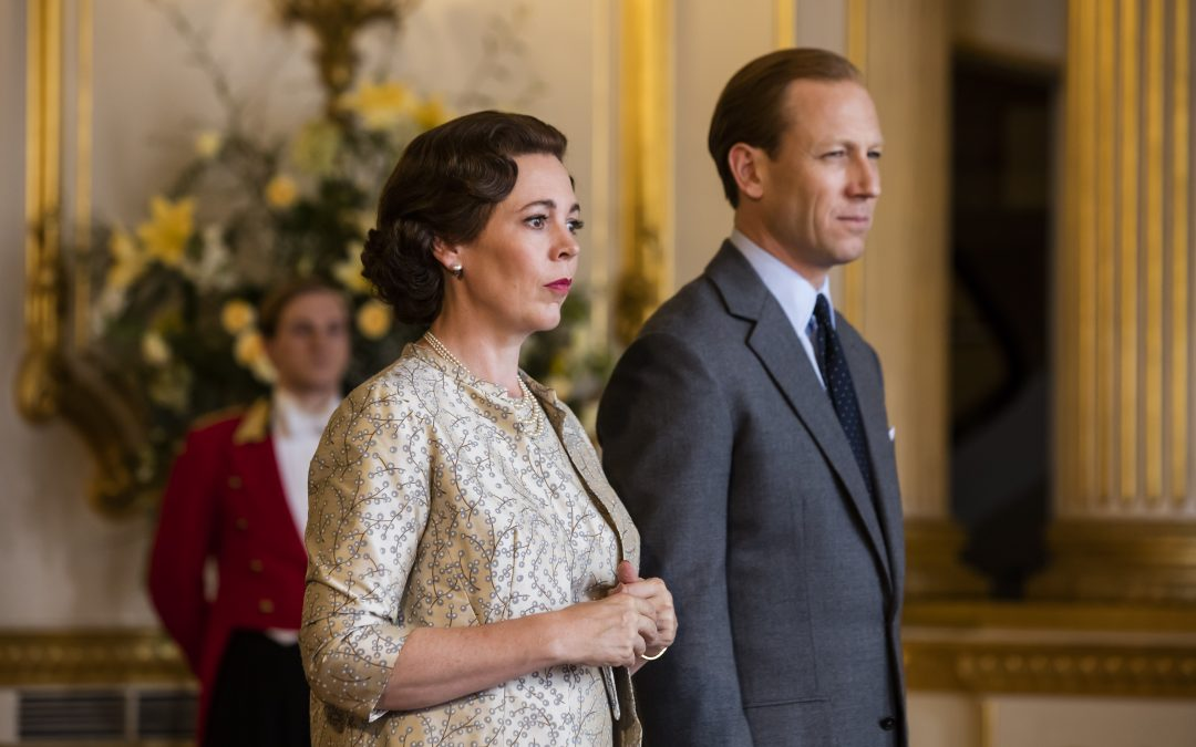 Netflix : Olivia Colman shines as Queen Elizabeth II in The Crown